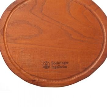 Ejemplo de logo sobre madera
