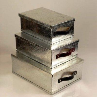 caja de metal con tapa
