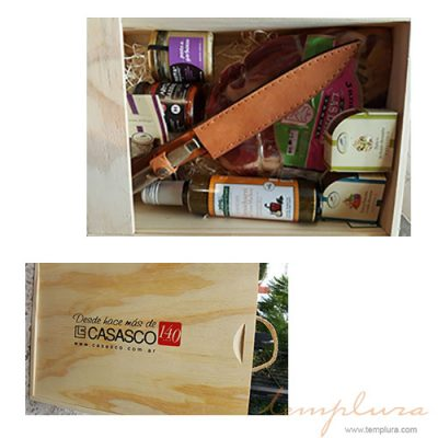 caja con cuchillo y pata de jamon